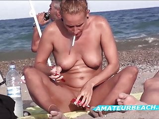 Shaved Pussy Close Up Nudist Beach Voyeur Amateurs Video
